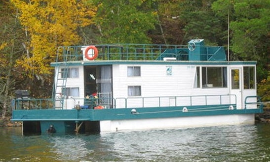 8 Person Houseboat Rental For $500 A Day In Vermilion Bay, Ontario