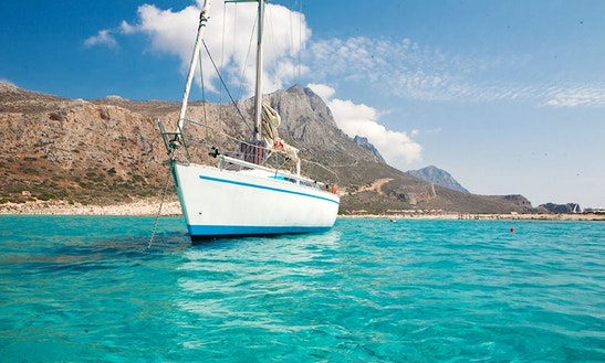 Charter 36' Cruising Monohull In Kissamos, Trachilos, Chania, Greece