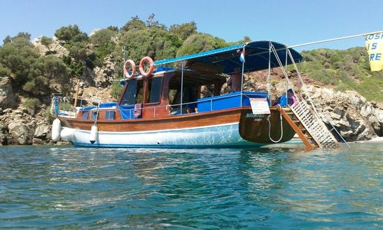 Island Hop With This 12 Person Classic Gullet In Muğla, Turkey