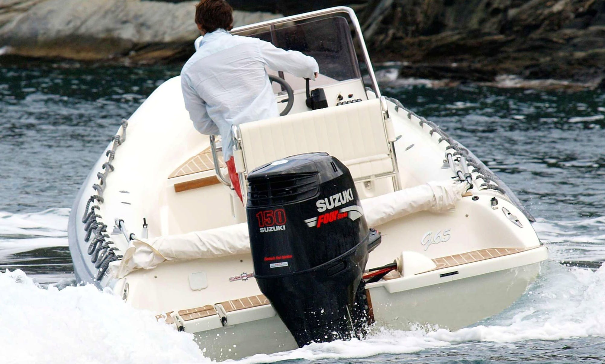 Have our captains take you out for fun on this (RIB) Rigid Inflatable Boat Rental in Reggio Calabria, Italy
