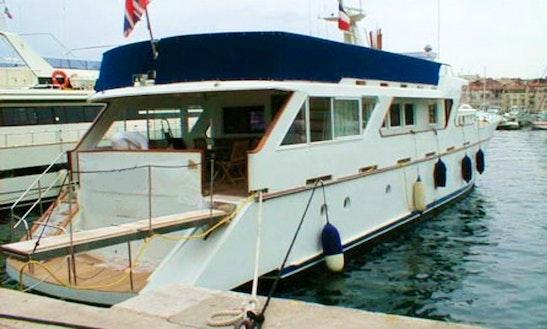 Charter 98ft Benetti Power Mega Yacht In Rome, Italy