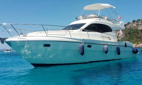 Charter Intermare 33 Fly Motor Motor Yacht In Lecce, Italy