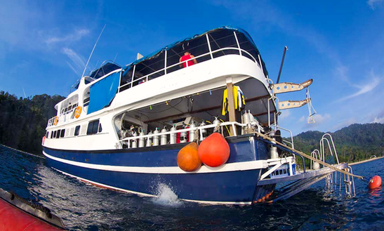 Diving Charter Diverace For 4 Days In Tambon Khuekkhak