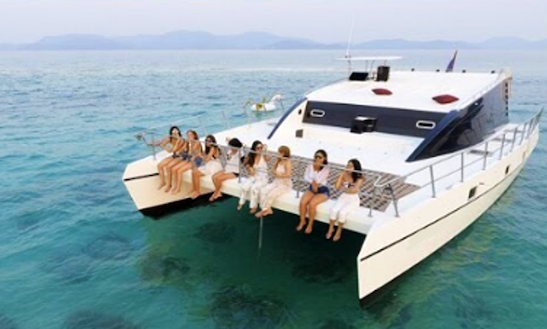 Charter Bear Power Catamaran In Na Jomtien, Thailand