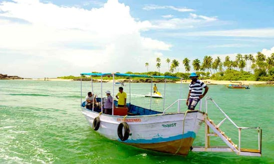 Take A Load Off And Hope On Board A Fun Filled Boat Tour!