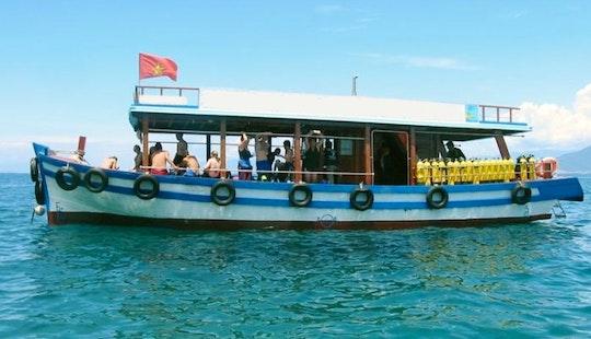 Motor Yacht  In Tp. Nha Trang Vietnam