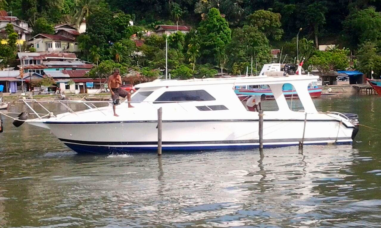 Captained Charter On a Motor Yacht In Lubuk Begalung, Indonesia