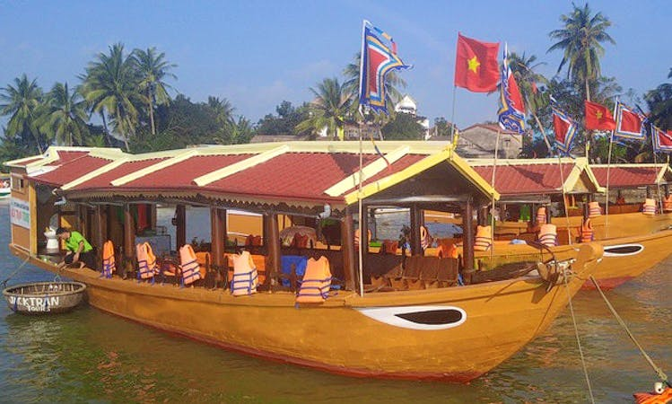 Charter a Traditional Boat and Explore in Đa Phúc, Vietnam