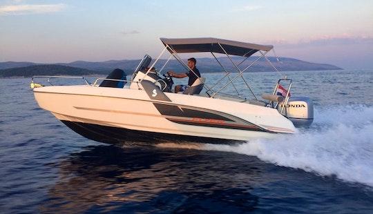 Beneteau Flyer 6.6 Spacedeck  - Deck Boat Rental In Split