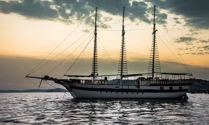 "Charter ""El Pirate"" Sailing Mega Yacht in Napoli, Italy"