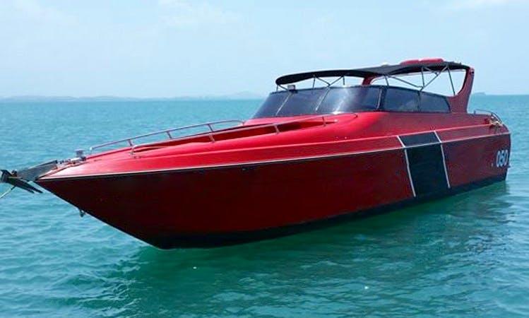 A Sleek & Fast Boat Charter