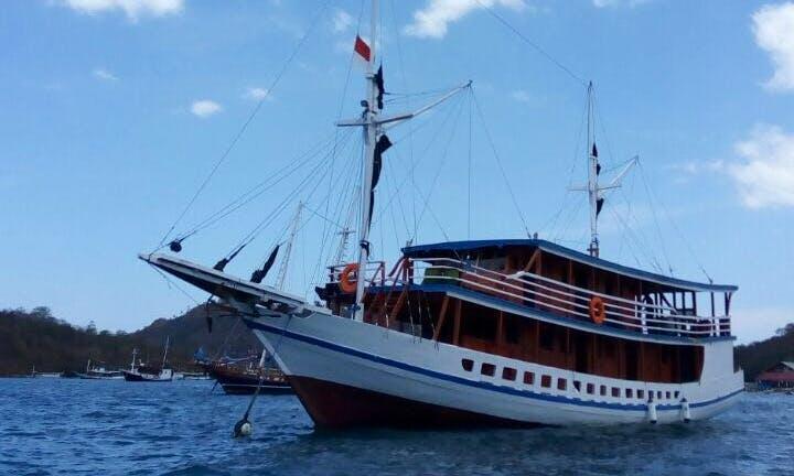 Charter a 17 Person Gulet In Nusa Tenggara Timur, Indonesia