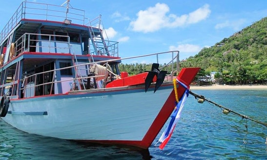 Diving Boat Tour In Thailand