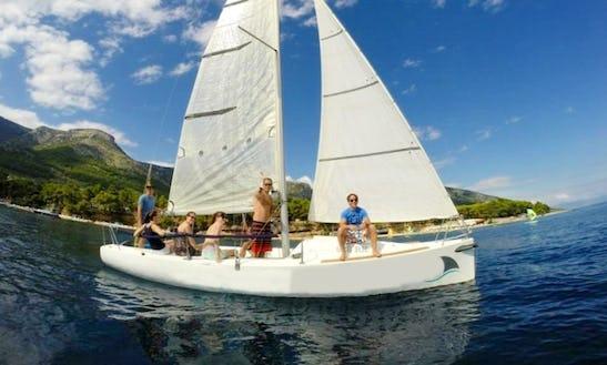 Daysailer Boat Trips In Bol, Croatia