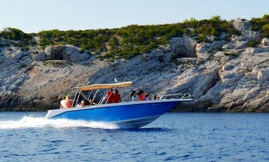 Charter 30' Sea Raider Deck Boat In Vis, Croatia