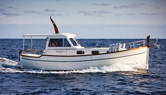 Charter Menorquin 110 Motor Yacht In Split, Croatia