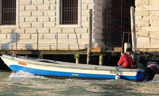 Rent 23' Topetta Dinghy In Venezia, Veneto