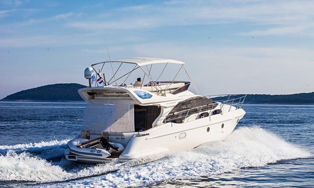 Charter 43' Azimut Fly Motor Yacht in Šibenik, Croatia