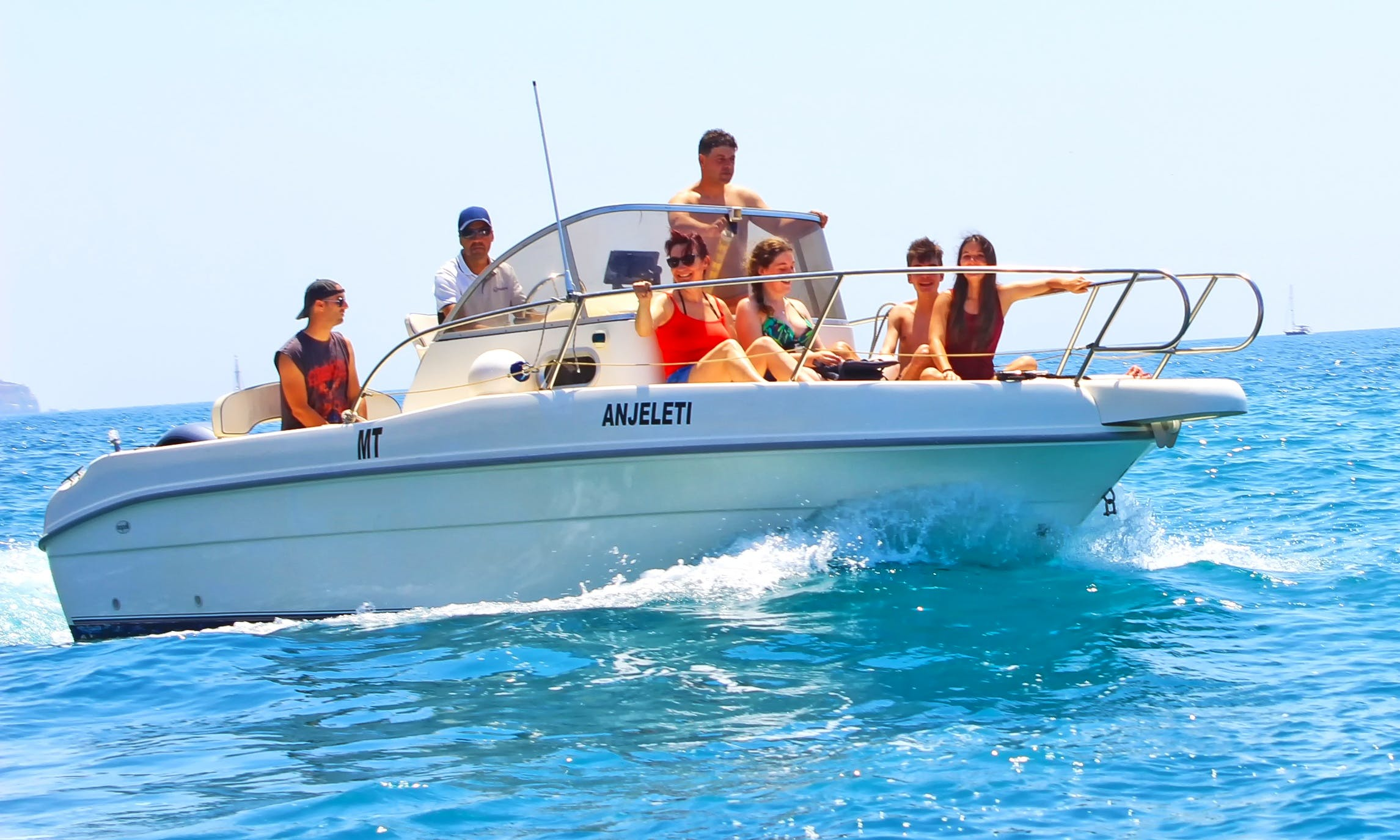 Boat for Rent in Portimão for 7 people