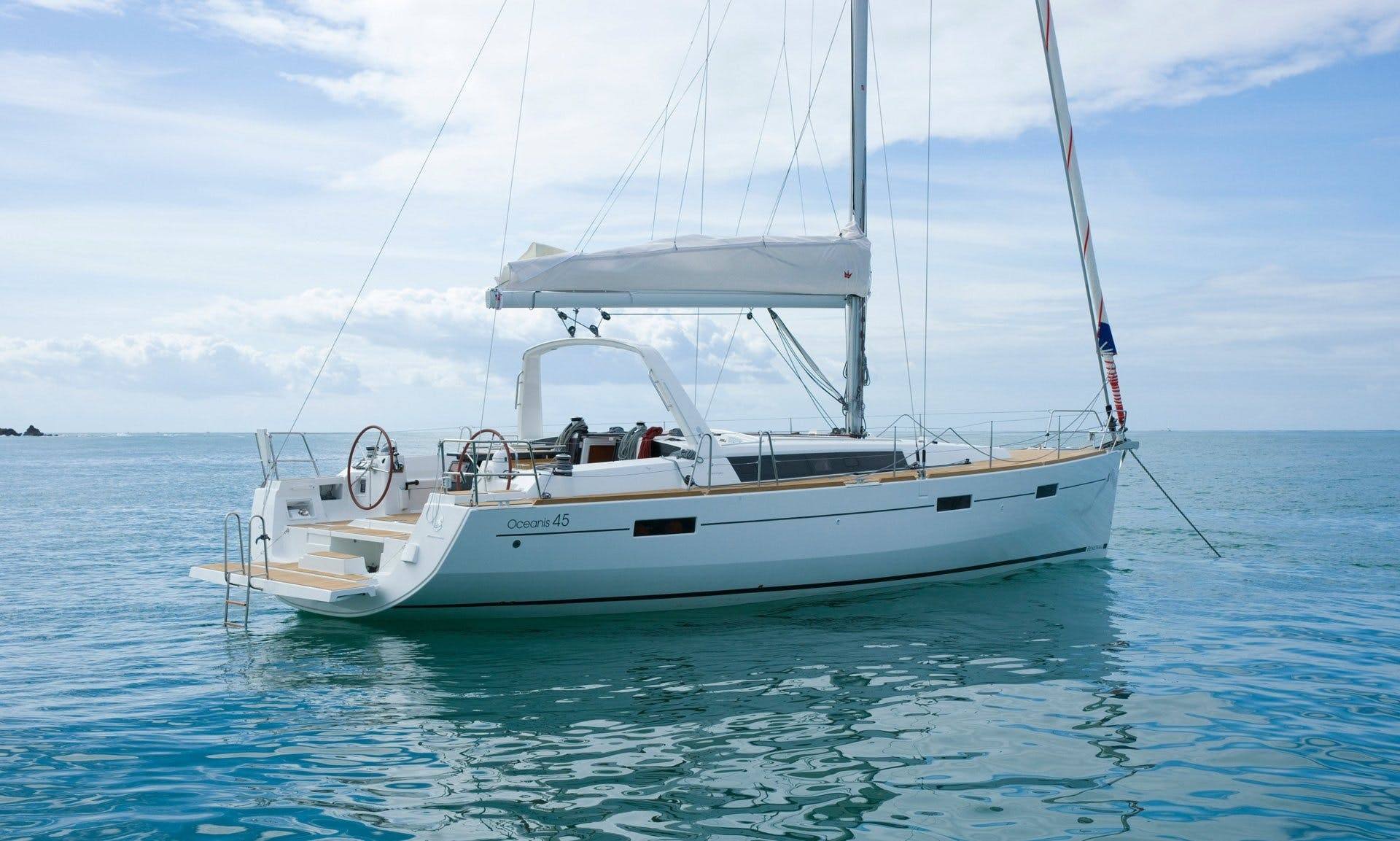 Charter 45' Beneteau Oceanis - Flamenco Cruising Monohull in Muo, Montenegro