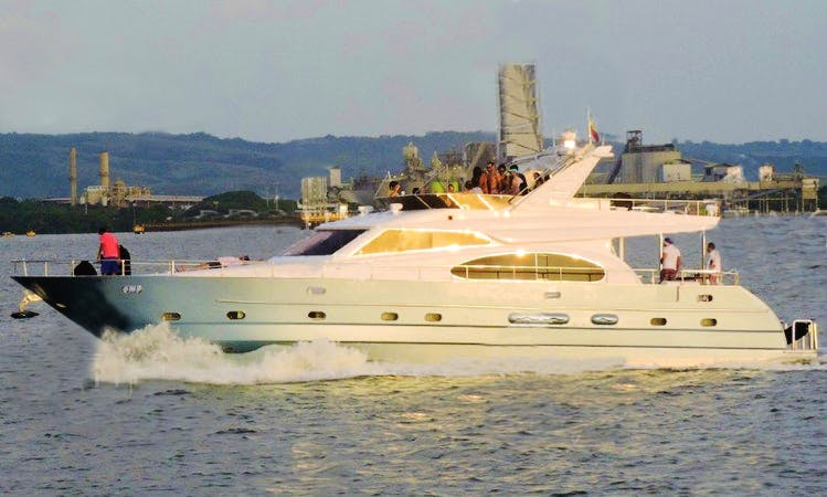 70ft luxury yacht for island hopping day tour in Cartagena, Colombia
