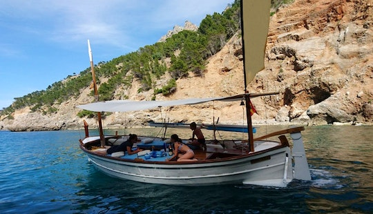 19' Classic Wooden Hand Crafted Mallorquin Llaut Rental In Soller, Spain