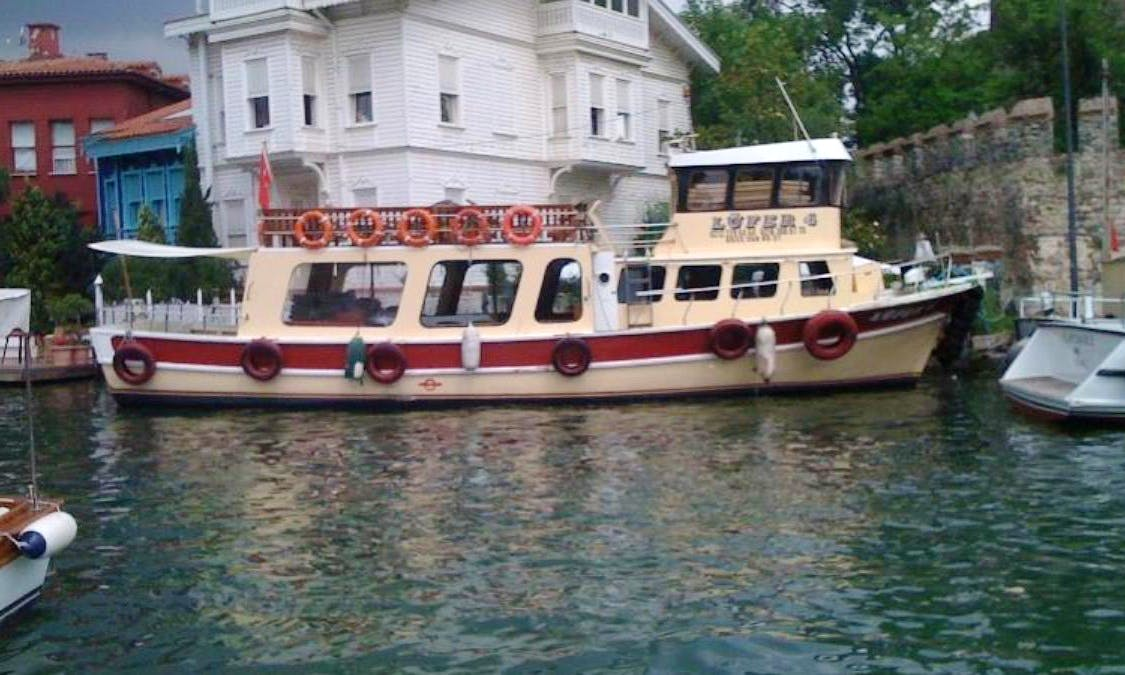 Charter Lufer 4 Canal Boat in Istanbul, Turkey