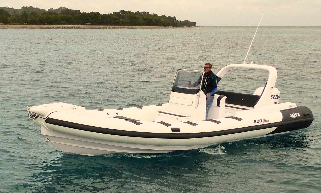 Gorgeous Selva 800s Rent with Licence or our Captain in Port Alcudia