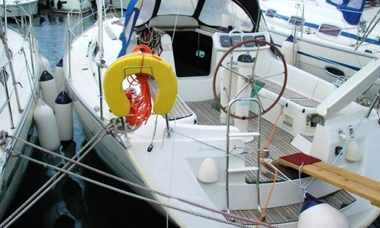 Sailing Charter On 32ft