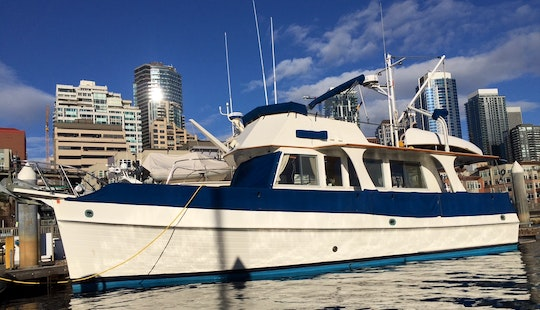 Captained Motor Yacht Rental In Seattle