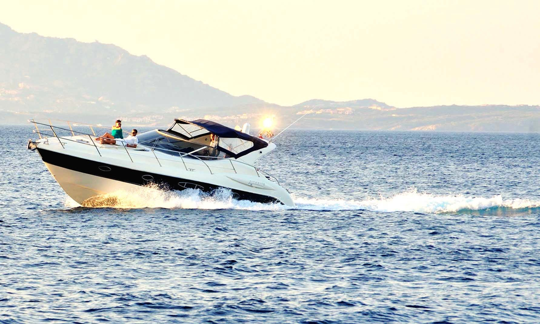 Motor Yacht Charter in Portimão