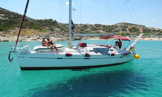 Charter Beneteau 393 Clipper – Alkyoni Cruising Monohull In Neos Marmaras, Greece