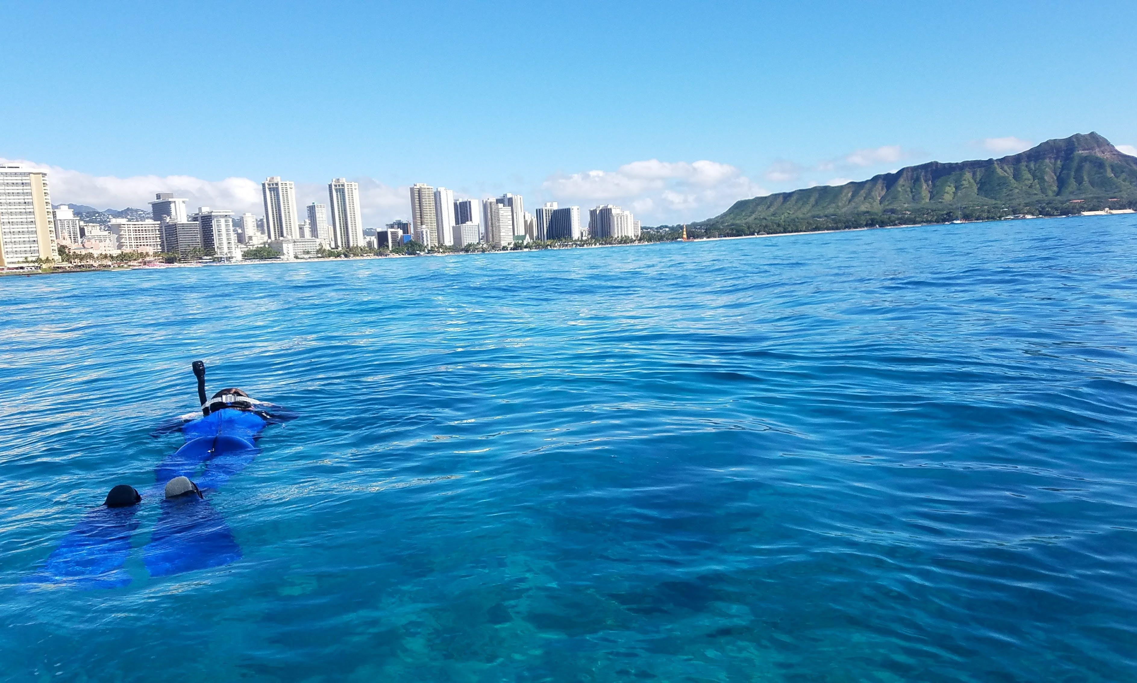 Lagoon 380 for Charter in Honolulu