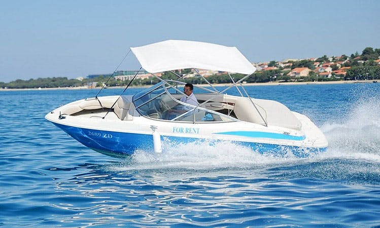 A Classic Bowrider For Your Day on the Water
