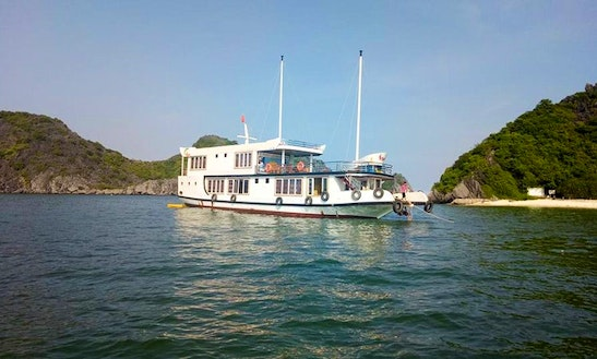 Houseboat / Sleep Aboard In Cat Ba Island - Hai Phong