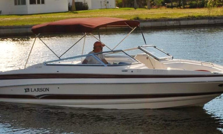 Enjoy the Larson 25 ft Bowrider Rental in Cape Coral, Florida