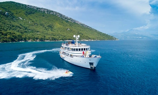 Charter 135' Donna Del Mare Power Mega Yacht In Dubrovnik, Croatia
