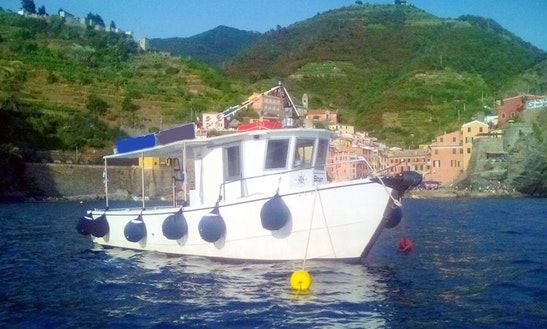 Sea Boat Tours & Charter In Vernazza