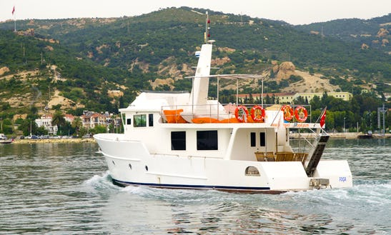 Dalgaci Motor Yacht Charter In Izmir