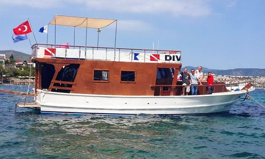 Aquadeepdiveing Boat In Turkey