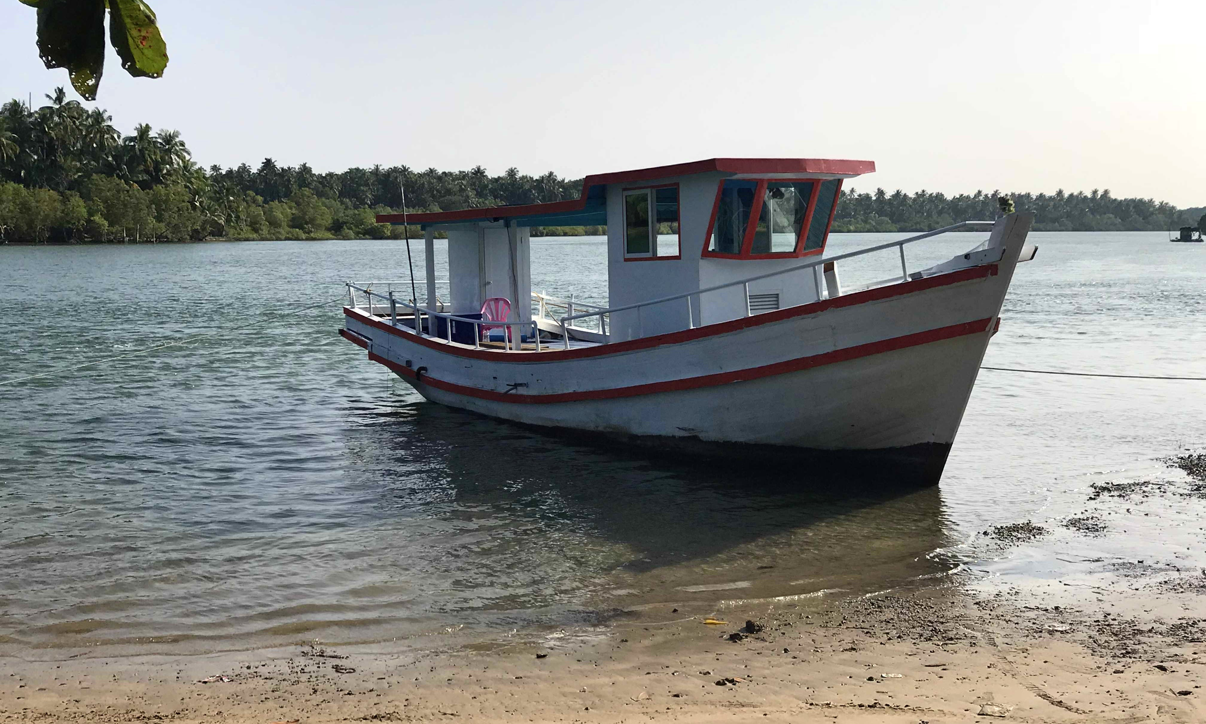 40ft Trawler Fishing Charter for 5 People in Ngwesaung, Myanmar