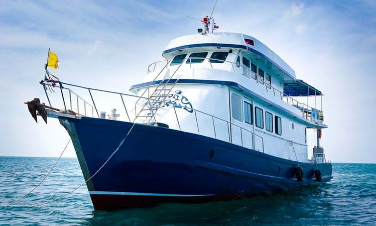 Luxury Dive Boat In Tambon Ko Lanta Noi