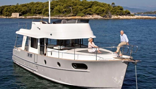 Charter 45ft Swift Trawler In Saint-laurent-du-var, France