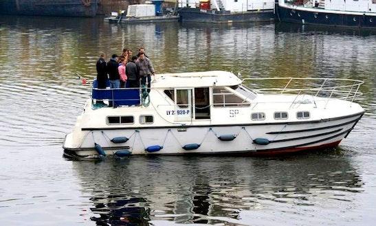Tarpon 37 Bareboat Motor Yacht Charter