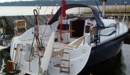 Charter 29' Hornet Cruising Monohull In Giżycko, Poland