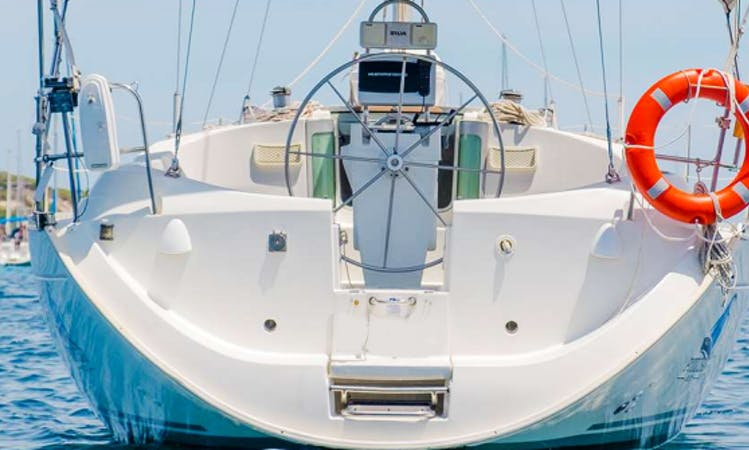 Charter 36' Beneteau 351 Cruising Monohull in Ibiza, Spain