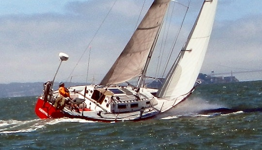 Cruising Monohull Skippered Charter In Emeryville