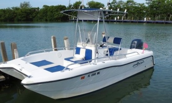 Prokat 2000 Power Catamaran Rental In Marathon, Florida