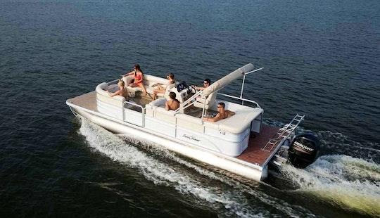 25' Pontoon Boat Rental In Stock Island, Florida
