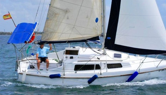 Luxury Cruising Monohull